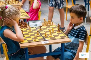 Partia szachów przedszkolaków